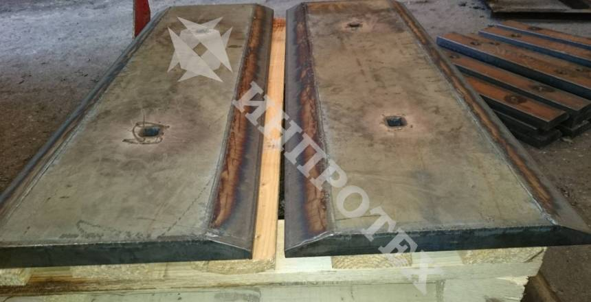 Ножове за булдозери и челни товарачи от износоустойчиви стомани
